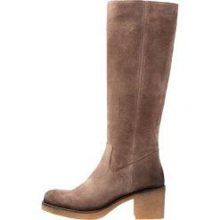 Pinto Di Blu Kozaki na platformie taupe. Czarne buty zimowe damskie marki Kazar, z futra, przed kolano, na wysokim obcasie, na koturnie. Za 609,00 zł.
