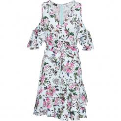 Sukienka z odkrytymi ramionami bonprix jasnoniebieski z nadrukiem. Niebieskie sukienki na komunię marki Reserved, z odkrytymi ramionami. Za 59,99 zł.