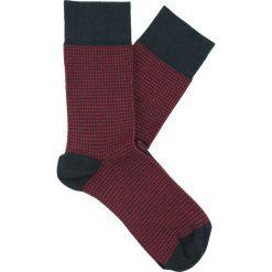 Skarpety fiume bordo. Czerwone skarpetki męskie Recman, w geometryczne wzory, z bawełny. Za 19,00 zł.