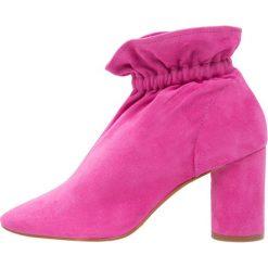Buty damskie: KG by Kurt Geiger RAGLAN Botki pink