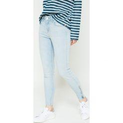 Lee - Jeansy L30CPFOL. Niebieskie jeansy damskie rurki marki Lee. W wyprzedaży za 199,90 zł.