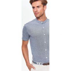 KOSZULA KRÓTKI RĘKAW MĘSKA. Szare koszule męskie marki Top Secret, na lato, m. Za 39,99 zł.