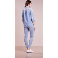 7 for all mankind Jeans Skinny Fit indigo script. Niebieskie jeansy damskie relaxed fit 7 for all mankind, z bawełny. W wyprzedaży za 554,95 zł.