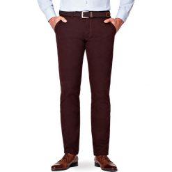 Spodnie Brązowe Chino Tommy II. Brązowe chinosy męskie LANCERTO, w kolorowe wzory, z bawełny. Za 299,90 zł.