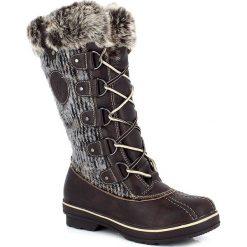 """Kozaki """"Nina"""" w kolorze brązowym. Szare buty zimowe damskie marki Marco Tozzi. W wyprzedaży za 346,95 zł."""