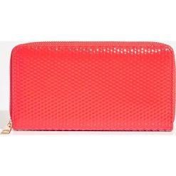 Portfel - Czerwony. Czerwone portfele damskie Sinsay. Za 24,99 zł.