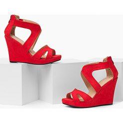 Sandały Kate Fabulous - czerwone koturny. Białe sandały damskie marki Merg. Za 50,00 zł.