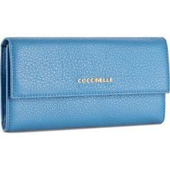 Duży Portfel Damski COCCINELLE - BW5 Metallic Soft E2 BW5 11 46 01 Azur 021. Czarne portfele damskie marki Coccinelle. W wyprzedaży za 419,00 zł.