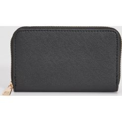 Duży portfel - Czarny. Czarne portfele damskie Sinsay. Za 24,99 zł.