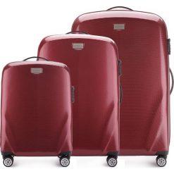 Zestaw walizek 56-3P-57S-35. Czerwone walizki marki Wittchen, z gumy, duże. Za 1010,91 zł.