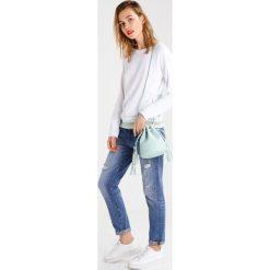 Bluzy rozpinane damskie: Juvia Bluza white