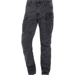 Spodnie męskie: Superdry CORE LITE PARACHUTE Bojówki carbon black