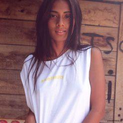Bluzki, topy, tuniki: Bawełniany top z żółtym napisem