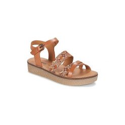 Sandały Kickers  VECTEUR. Brązowe sandały trekkingowe damskie marki Kickers. Za 335,20 zł.