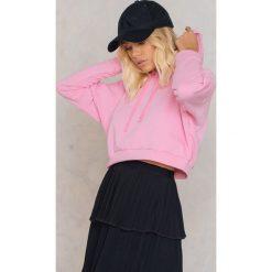 Bluzy rozpinane damskie: Trendyol Krótka bluza z kapturem - Pink