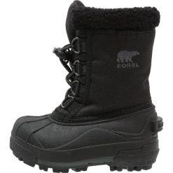Sorel CUMBERLAND Śniegowce black. Czarne buty zimowe chłopięce Sorel, z materiału. Za 269,00 zł.