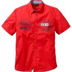 Koszula z krótkim rękawem bonprix czerwony. Białe koszule męskie marki bonprix, z klasycznym kołnierzykiem, z długim rękawem. Za 54,99 zł.