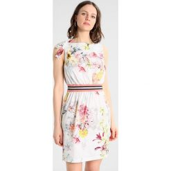 Sukienki hiszpanki: Sisley BOW DETAIL FLORAL PRINT WAISTED SHIFT DRESS Sukienka letnia white