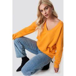 NA-KD Basic Bluza basic z dekoltem V - Orange. Pomarańczowe bluzy rozpinane damskie NA-KD Basic, z bawełny. Za 80,95 zł.