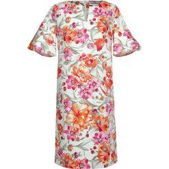 Sukienki hiszpanki: Sukienka ze wzorem