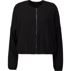 KIOMI Kurtka wiosenna black. Czarne kurtki damskie KIOMI, m, z materiału. W wyprzedaży za 136,95 zł.