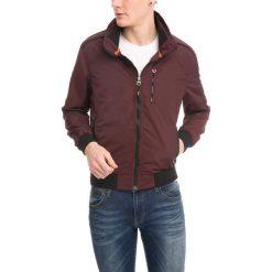 Kurtka w kolorze bordowym. Czerwone kurtki męskie marki RNT23, l. W wyprzedaży za 179,95 zł.