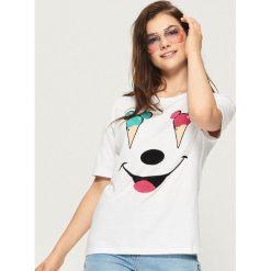 T-shirt Mickey Mouse - Biały. Białe t-shirty damskie Sinsay, l, z motywem z bajki. Za 29,99 zł.