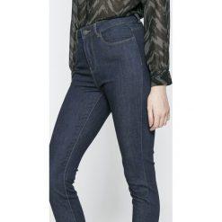 Vero Moda - Jeansy. Niebieskie jeansy damskie relaxed fit marki Vero Moda, z podwyższonym stanem. W wyprzedaży za 69,90 zł.
