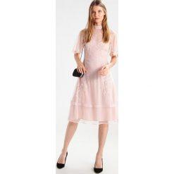 Sukienki hiszpanki: YAS YASHARRIET Sukienka koktajlowa rose smoke