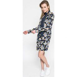 Tommy Hilfiger - Sukienka. Szare sukienki mini marki TOMMY HILFIGER, na co dzień, z tkaniny, casualowe, proste. W wyprzedaży za 449,90 zł.