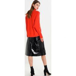 Swetry klasyczne damskie: JUST FEMALE ERI  Sweter tango
