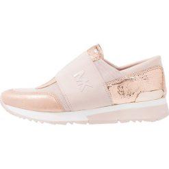 MICHAEL Michael Kors TRAINER Półbuty wsuwane soft pink. Czarne półbuty damskie skórzane marki MICHAEL Michael Kors, przed kolano, na wysokim obcasie. Za 669,00 zł.