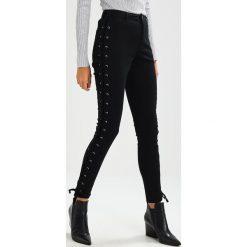 Jeansy damskie: Ivyrevel MADNESS PANTS Jeans Skinny Fit black
