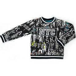 Bluza w kolorze czarno-białym. Białe bluzy chłopięce marki Street Monkey, z bawełny. W wyprzedaży za 69,95 zł.