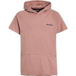 Tumble 'n dry LUDWIG Bluza z kapturem crepe pink. Czerwone bluzy chłopięce rozpinane marki Tumble 'n dry, z bawełny, z kapturem. W wyprzedaży za 134,10 zł.