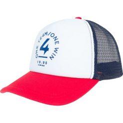Czapka męska CAM206 - czerwony. Czerwone czapki z daszkiem męskie marki 4f, z nadrukiem, z materiału. Za 29,99 zł.