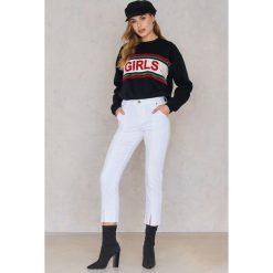Spodnie damskie: EVIDNT Spodnie jeansowe z rozcięciem z przodu - White