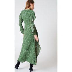Długie sukienki: Liquorish Sukienka maxi z rękawem z falbaną - Green,Multicolor