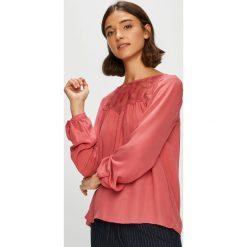 Only - Bluzka. Różowe bluzki asymetryczne ONLY, z bawełny, casualowe, z okrągłym kołnierzem. W wyprzedaży za 89,90 zł.