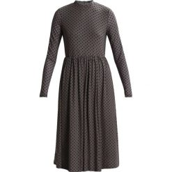 Sukienki hiszpanki: YAS YASSOLAR Sukienka letnia driftwood