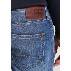 Mustang OREGON TAPERED Jeansy Zwężane light scratched used. Czarne jeansy męskie marki Mustang, l, z bawełny, z kapturem. Za 379,00 zł.
