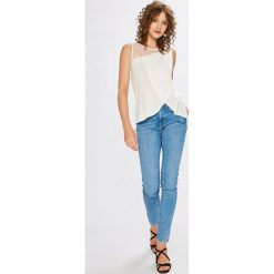 Pepe Jeans - Jeansy Regent x Wiser Wash. Niebieskie jeansy damskie Pepe Jeans. W wyprzedaży za 249,90 zł.