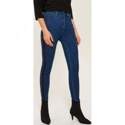 Jeansy skinny z lampasami - Niebieski. Niebieskie rurki damskie House, z jeansu. Za 89,99 zł.