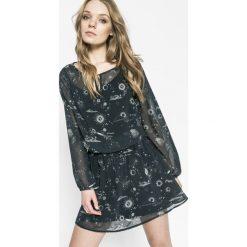 Answear - Sukienka Twilight. Szare sukienki mini ANSWEAR, na co dzień, l, z elastanu, casualowe. W wyprzedaży za 89,90 zł.