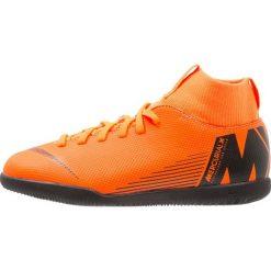 Nike Performance SUPERFLYX 6 CLUB IC Halówki total orange/white/volt/black. Brązowe buty sportowe chłopięce marki Nike Performance, z gumy, do piłki nożnej. Za 269,00 zł.