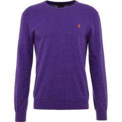 Polo Ralph Lauren SLIM FIT Sweter squire purple. Fioletowe swetry klasyczne męskie marki Reserved, l, z bawełny. Za 629,00 zł.