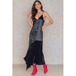 Sukienki asymetryczne: Ida Klamborn Sukienka Cruella – Black