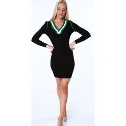 """Sukienka swetrowa dekolt """"V"""" czarna MP32255. Czarne sukienki marki Fasardi, m, z dresówki. Za 89,00 zł."""