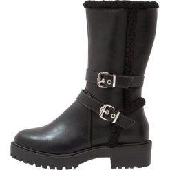 New Look Wide Fit WIDE FIT BANDIT Kozaki na platformie black. Czarne buty zimowe damskie marki Kazar, z futra, przed kolano, na wysokim obcasie, na koturnie. Za 209,00 zł.