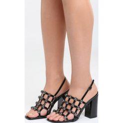 Czarne Sandały Chubby Cheeks. Czarne sandały damskie na słupku marki Born2be, z lakierowanej skóry, na wysokim obcasie. Za 89,99 zł.